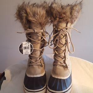 Falls Creek 3M Thinsulate Womens Winter Boot.  9